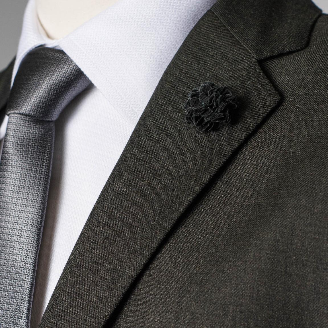 Lapel pin black flower