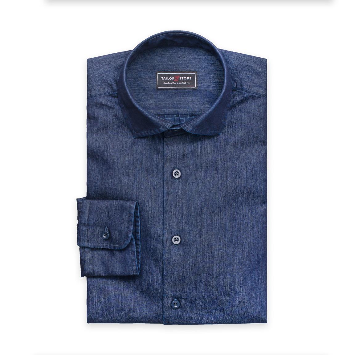 Indigoblå jeansskjorta med rutig avigsida