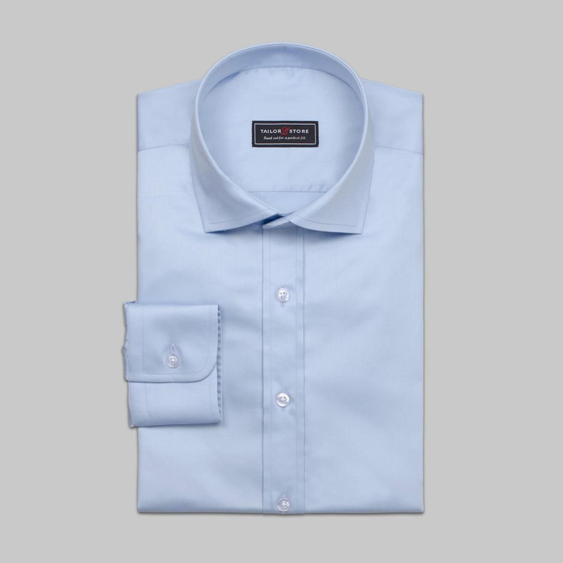 Business Hemd in elegantem hellblauen satin