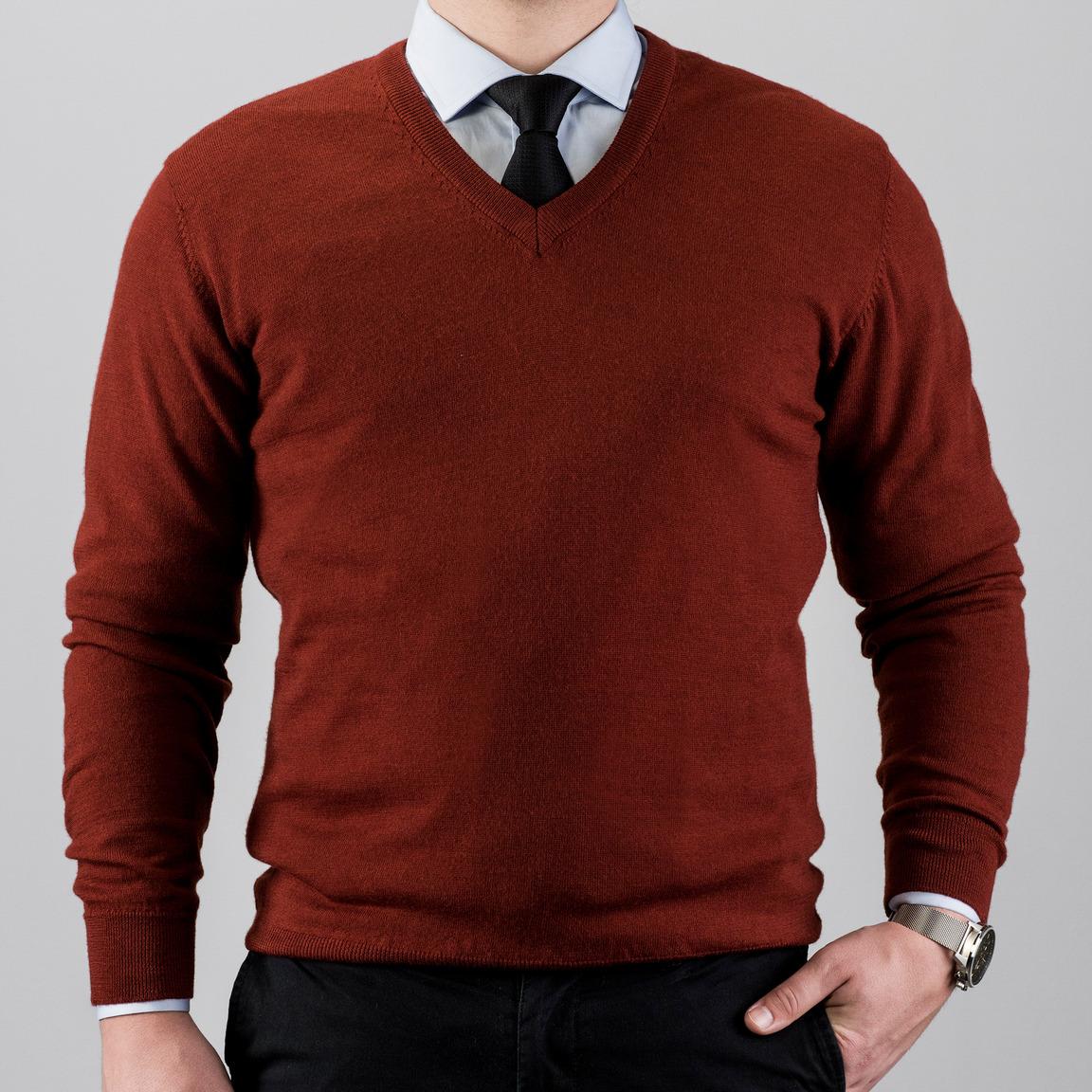 V-ringad stickad tröja i merinoull, röd